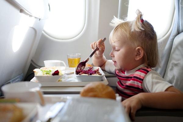 çocuklarla uçak yolculuğu